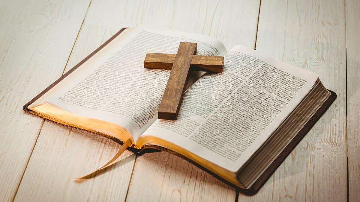 paques-christ-croix-sacrifice-bible